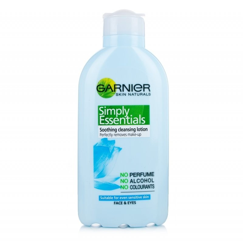 Garnier-Simply-Essential-Cleansing-Milk-Struccante-sensibili-Sensitive-Karotina