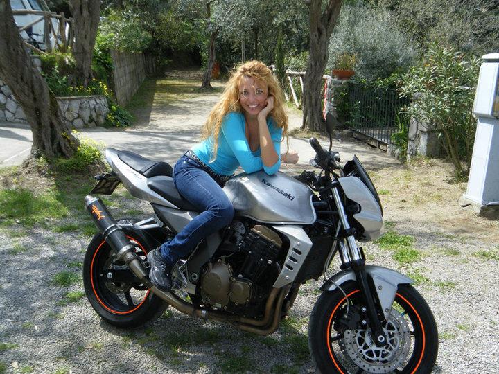 xzbit Karotina moto bikers girl