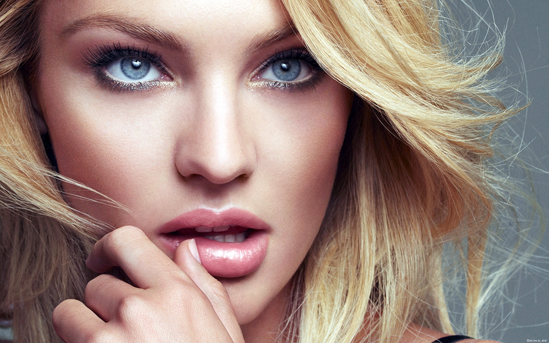 2013 09 02 Candice-Swanepoel-testimonial max factor 2013