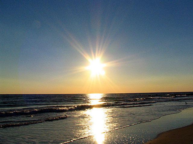 2013 06 12 news Sole-Spiaggia-Mare melanoma braccialetto