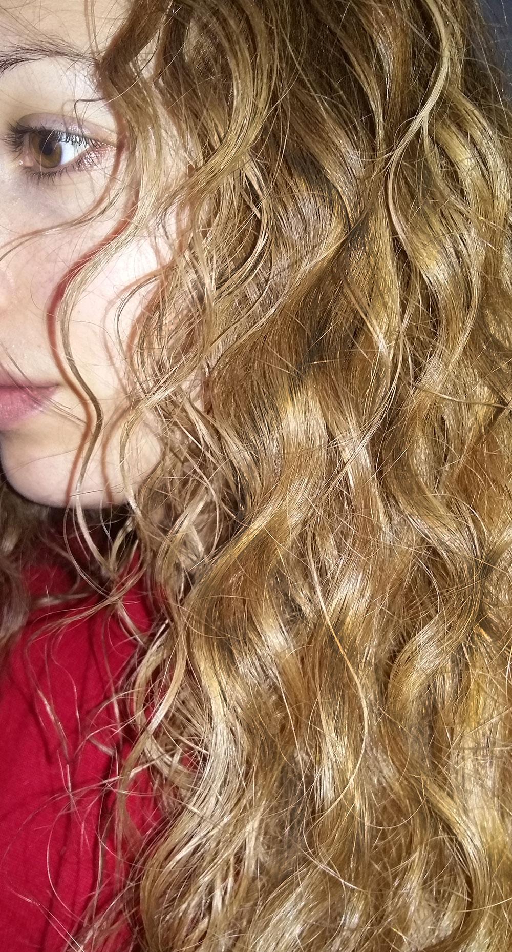 2016 02 12-effetto-capelli-hair-ricci-biondi-karotina-splendor-camomilla-shampo