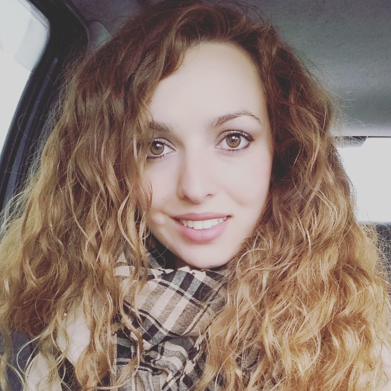 karotina, smile, hair, blondy, curly,
